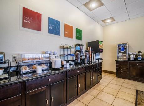 Comfort Inn Santa Rosa - Complimentary Breakfast