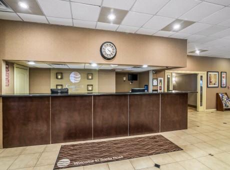 Comfort Inn Santa Rosa - Front Desk Lobby